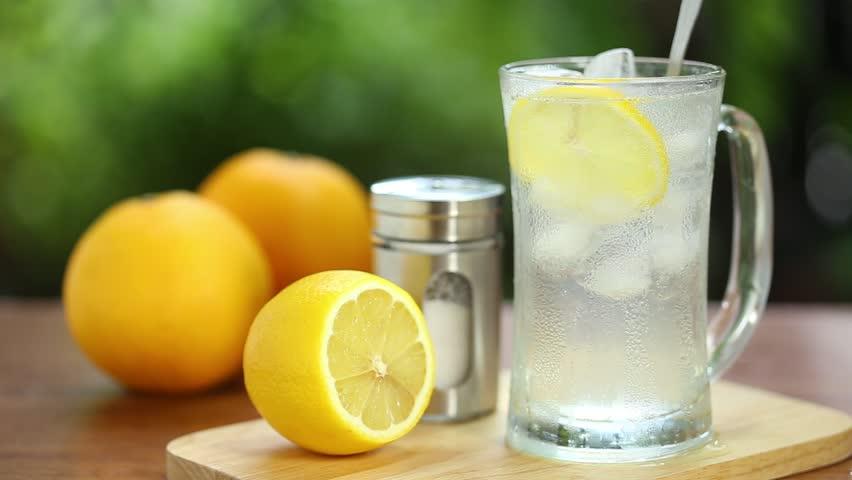 عصير الليمون المثلج