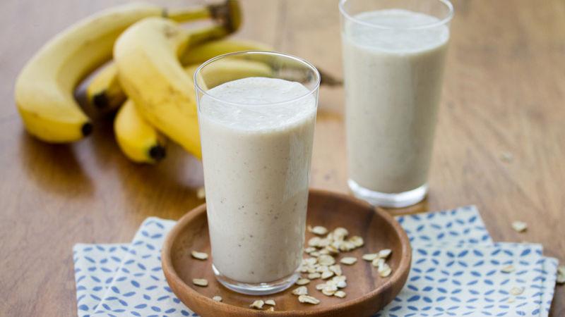 كيفيه سموثي الموز والشوفان بالصور