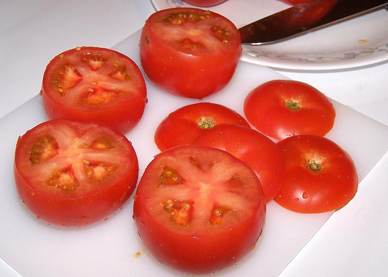 مقادير وخطوات محشي الطماطم بالصور