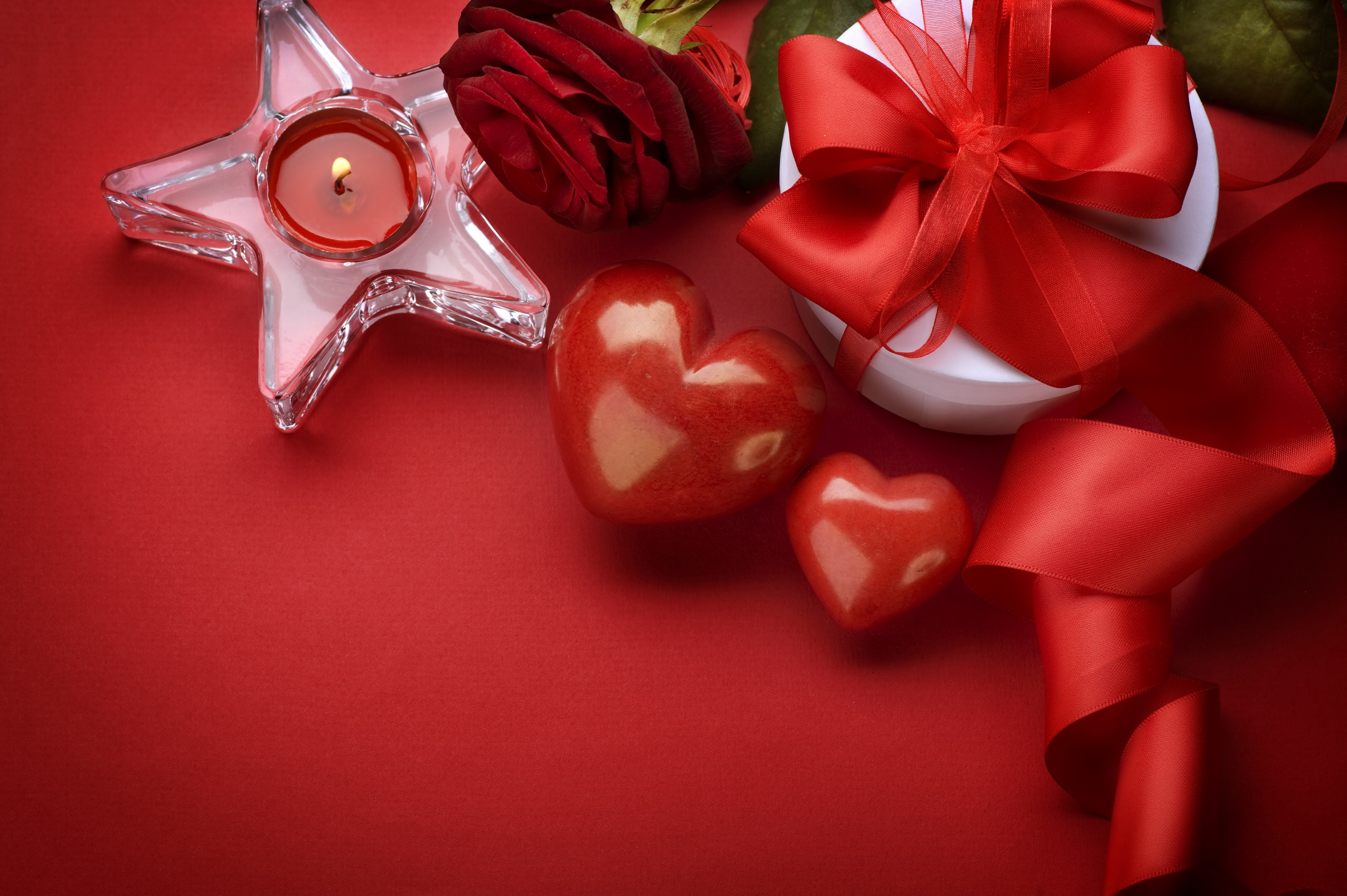 Valentines-Day-February-14-Hearts-Rose-Candle-Gifts-HD-Wallpaper