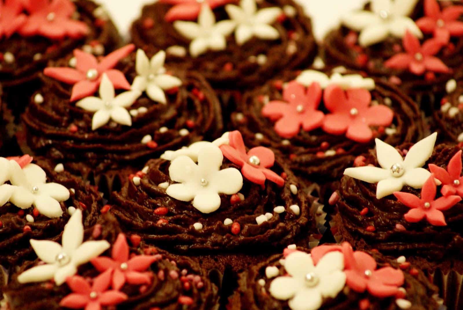 choc flower cupcakes