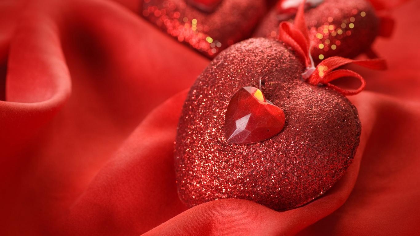 heart_red_gift_love_silk_4643_1366x768